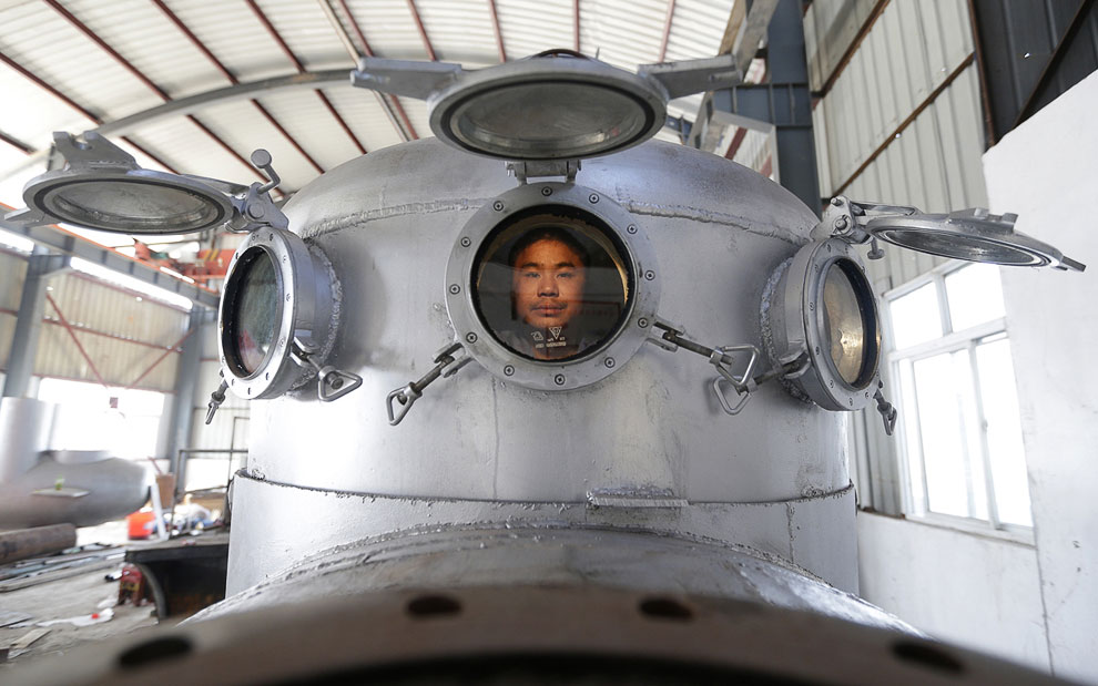 Изобретатель уже сконструировал семь субмарин, одну из них продал в 2011 году бизнесмену на $ 15 855