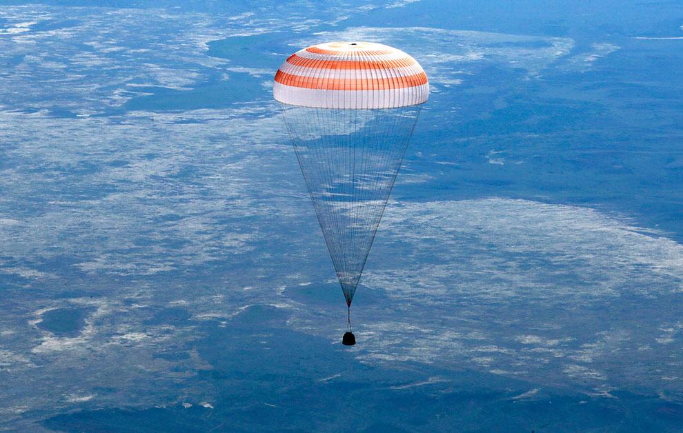 14 мая, в 06:30 по московскому времени спускаемый аппарат космического корабля «Союз ТМА-07М» с тремя членами экипажа МКС-35 благополучно совершил посадку в казахстанской степи