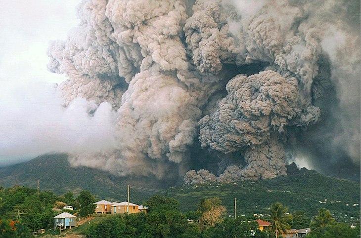 Вулкан Суфриер-Хиллс располагается в Вест-Индии в южной части острова Монтсеррат