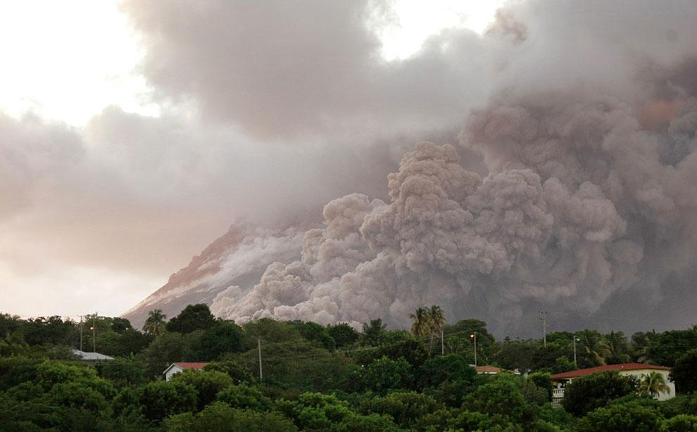 Новое извержение вулкана Суфриер-Хиллс