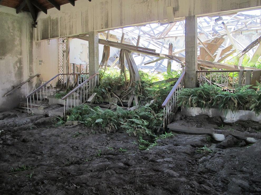 Заброшенный отель в окрестностях столицы Плимута