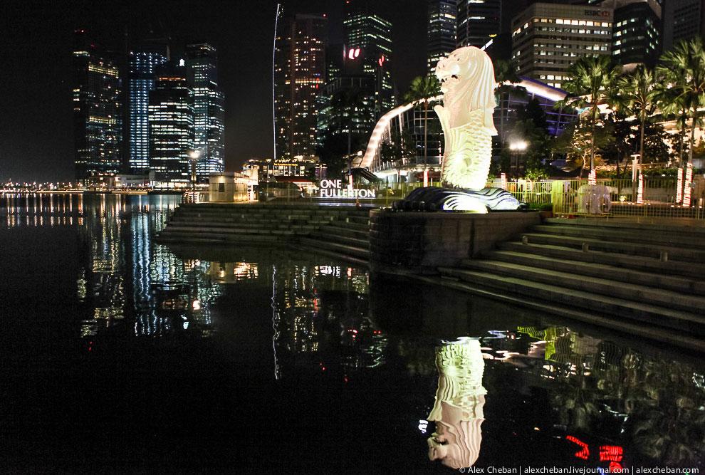 Символ Сингапура — мифический персонаж Мерлайон