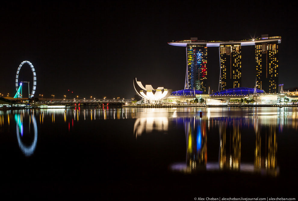 Отель Marina Bay Sand и сингапурское колесо обозрения Flyer
