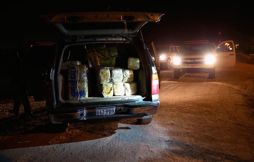 Задержанный автомобиль, битком набитый марихуаной для американского рынка
