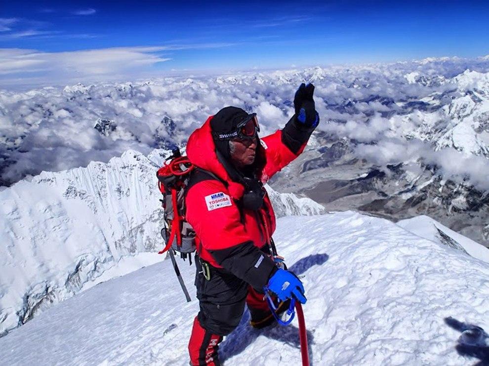 23 мая 2013 года 80-летний японец Юитиро Миура, завершив восхождение, стал самым пожилым, человеком, покорившим вершину Эвереста