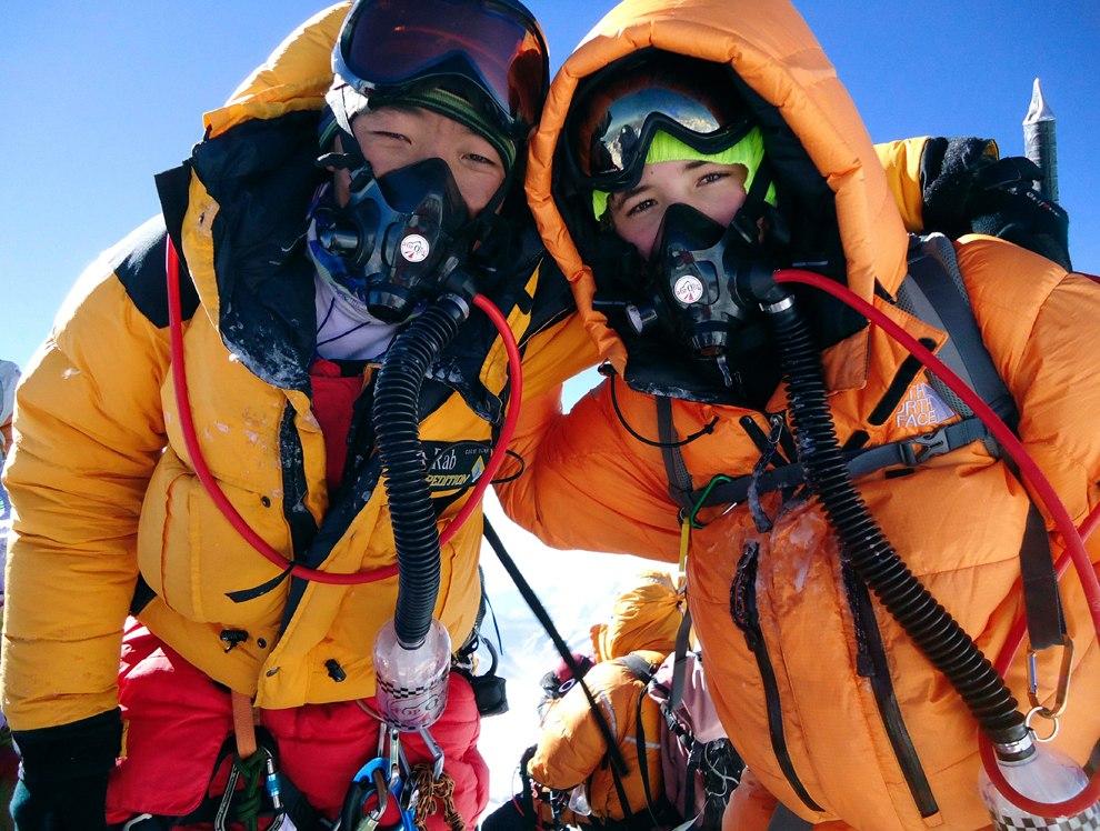 22 мая 2010 года вершину покорил 13-летний американец Джордан Ромеро