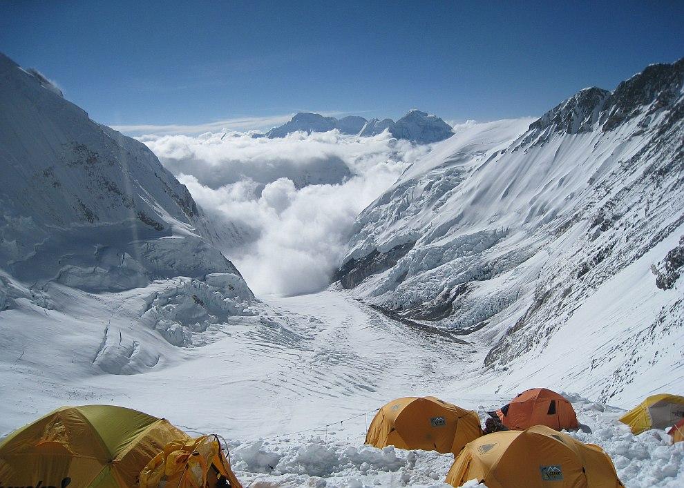 Лагерь на высоте 7 315 метров
