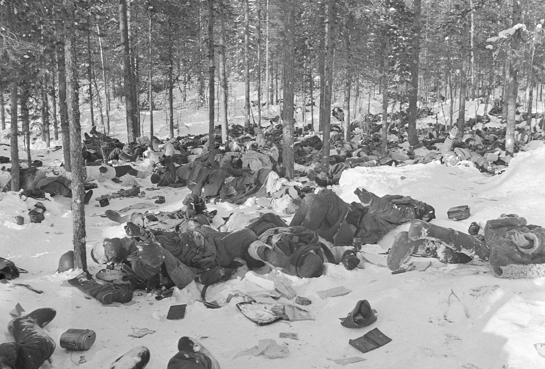 Около 400 русских солдат, погибших в бою