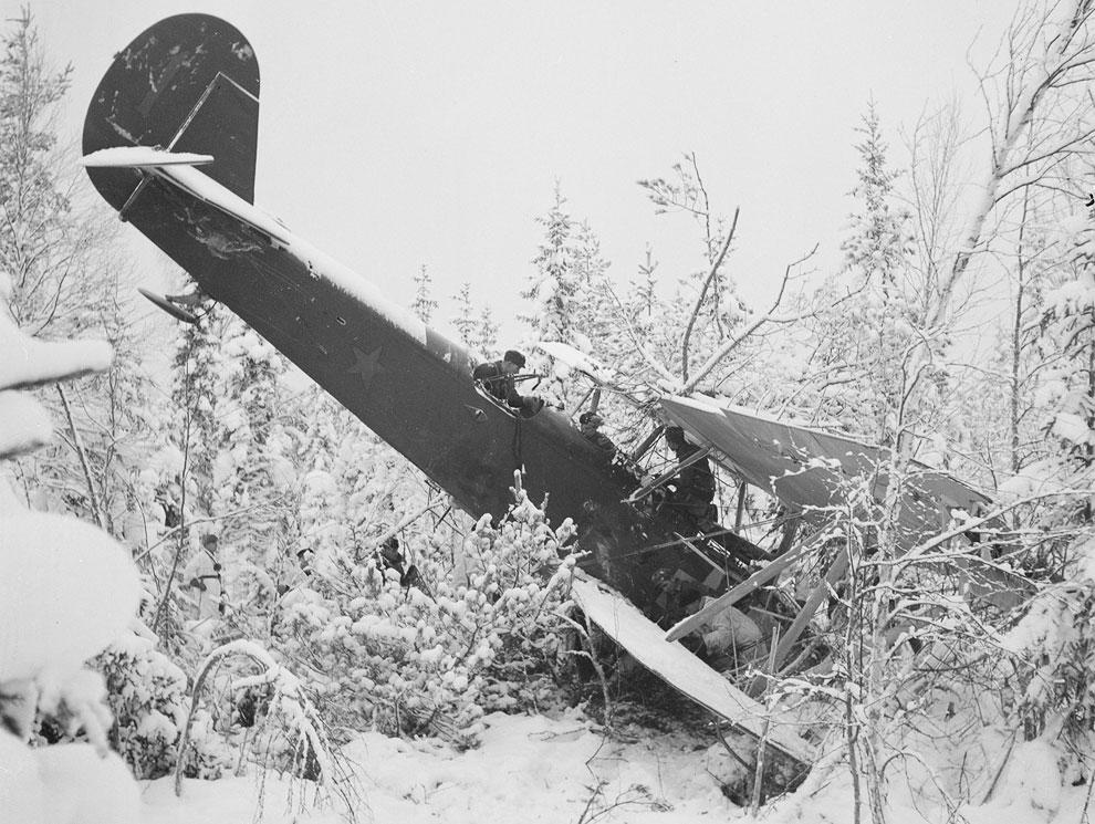Сбитый советский самолет