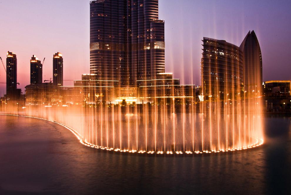 Dubai Fountain — самый большой и самый дорогой