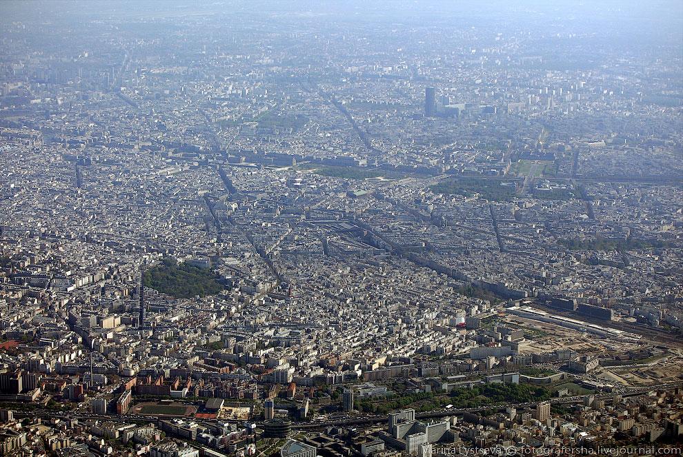 Здесь видно Монпарнас — район на юге Парижа