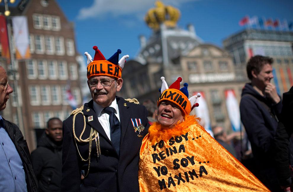 Посмотреть на редкое событие — появление короля Нидерландов — люди приезжали из других стран