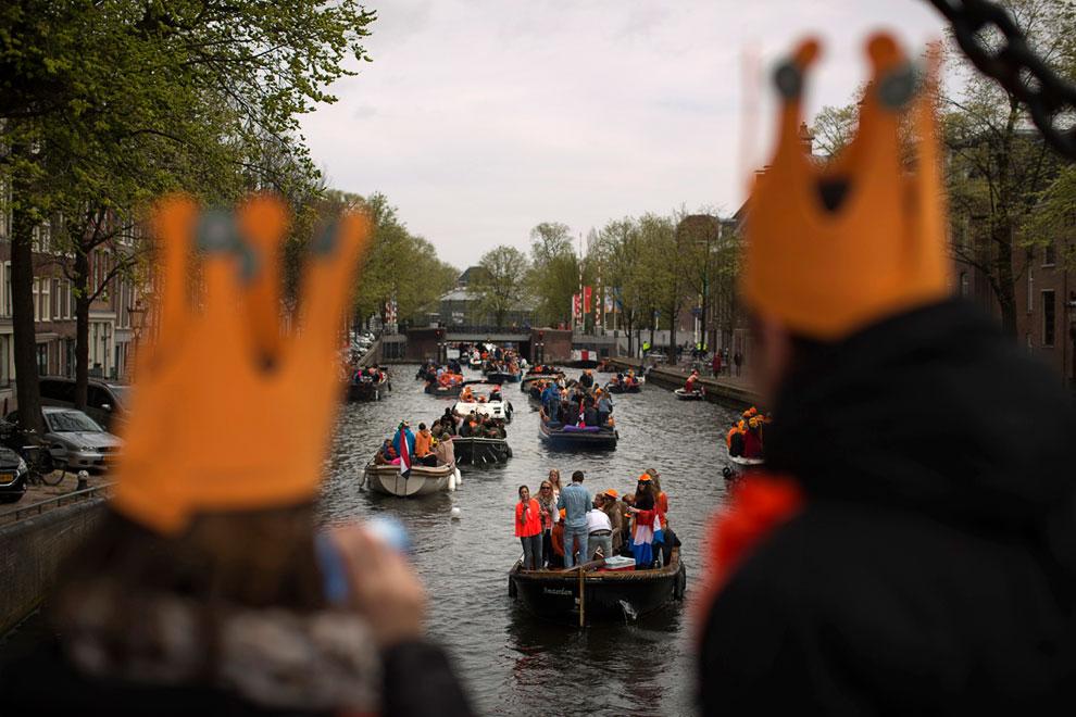 Праздник на каналах в Амстердаме