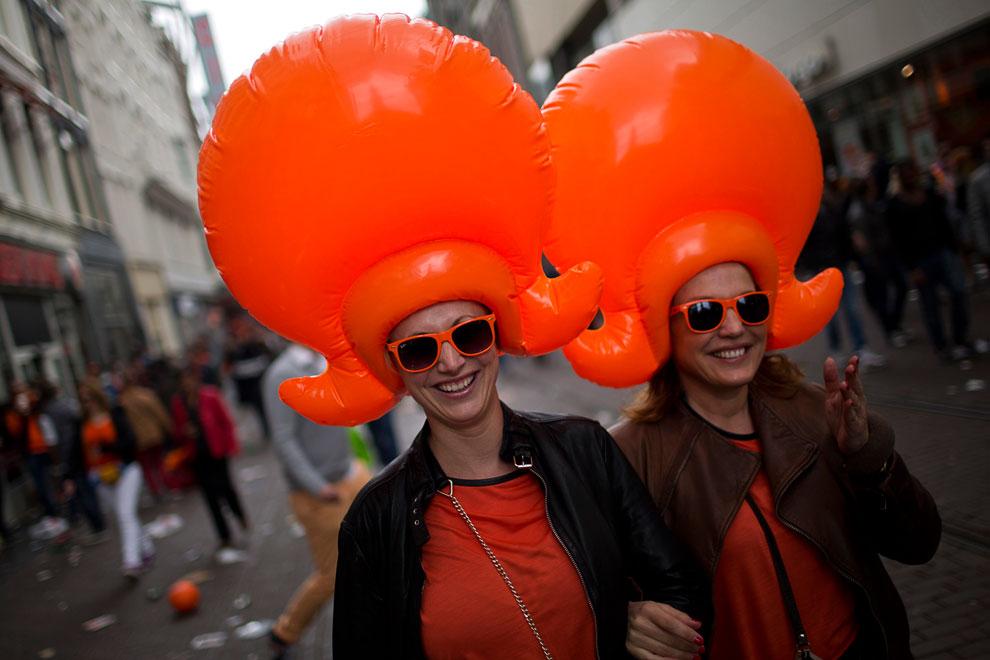 Так возник наследуемый титул — принц Оранский, а оранжевый цвет стал символом как самой династии, так и Нидерландов в целом