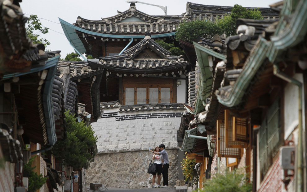 Традиционная корейская деревня Bukchon Hanok Village