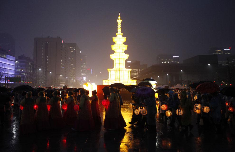 Это традиционная буддийская пагода в центре Сеула