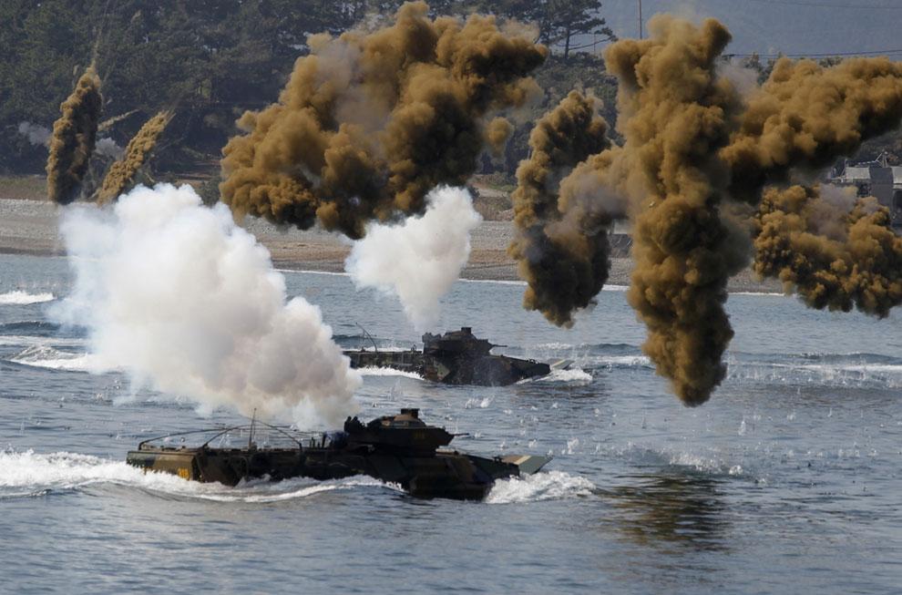 Учения южнокорейской морской пехоты в городе Пхохан