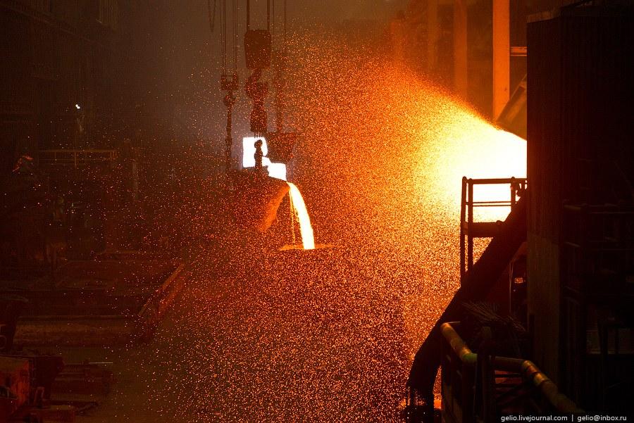 Надеждинский металлургический завод им. Б.И. Колесникова. Именно сюда поступает добытая и обогащенная руда
