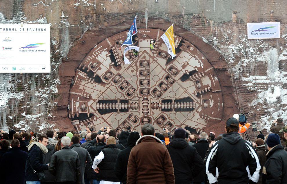 Завершение бурения 4 километрового железнодорожного туннеля, который свяжет Париж и Старсбург