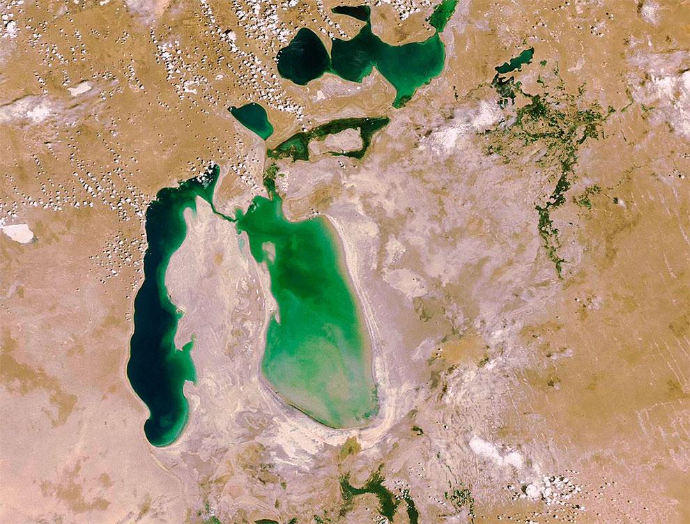 Фото NASA. 2006 год. К этому времени ушло 85 % бывшего объёма