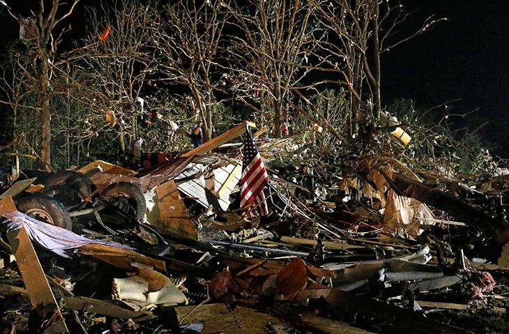 За прошедшую неделю около 20 торнадо обрушились на штаты Оклахома, Айова и Канзас