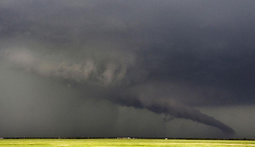 Воронка торнадо в штате Канзас