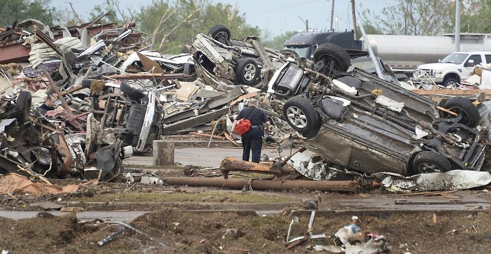 Поиск без вести пропавших в городе Мур, Оклахома