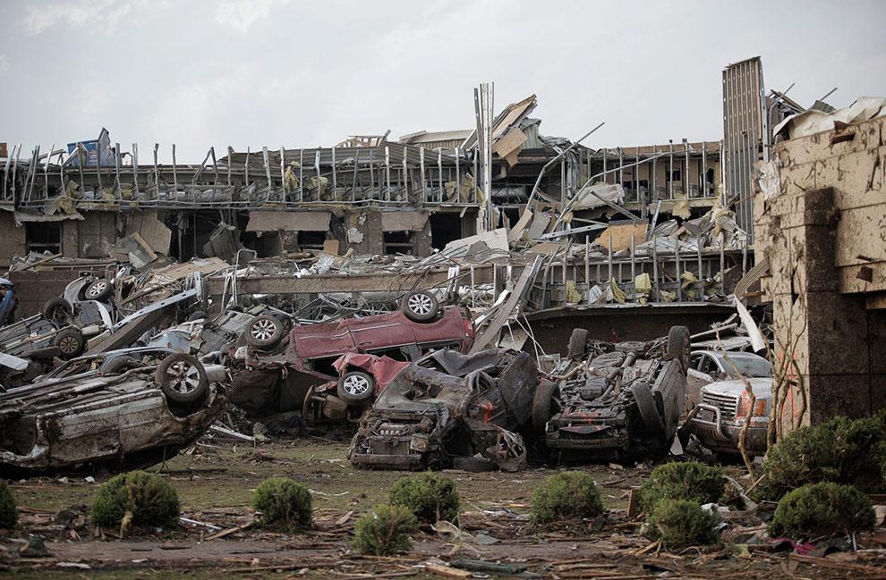 Разрушенная больница в городе Мур, Оклахома