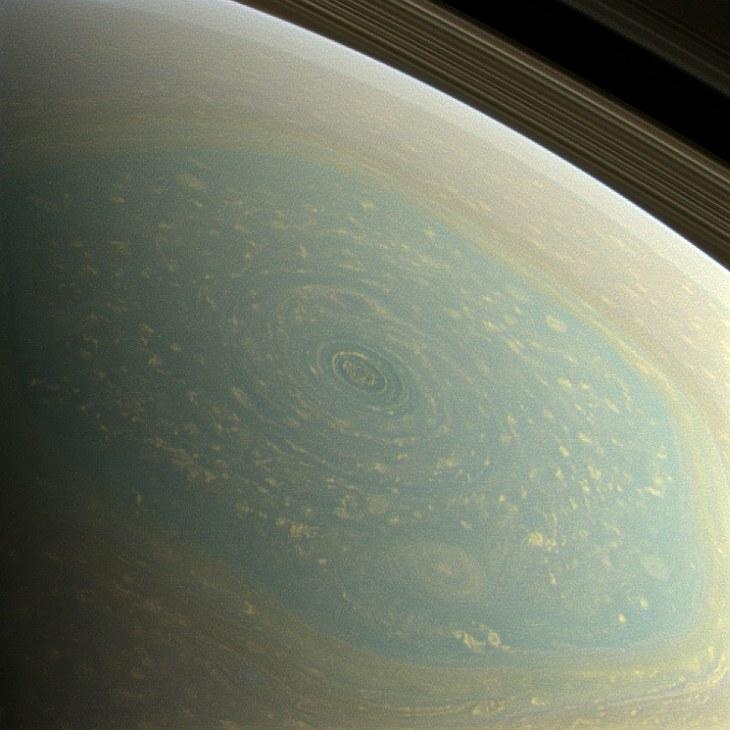 Весна на Северном полюсе Сатурна