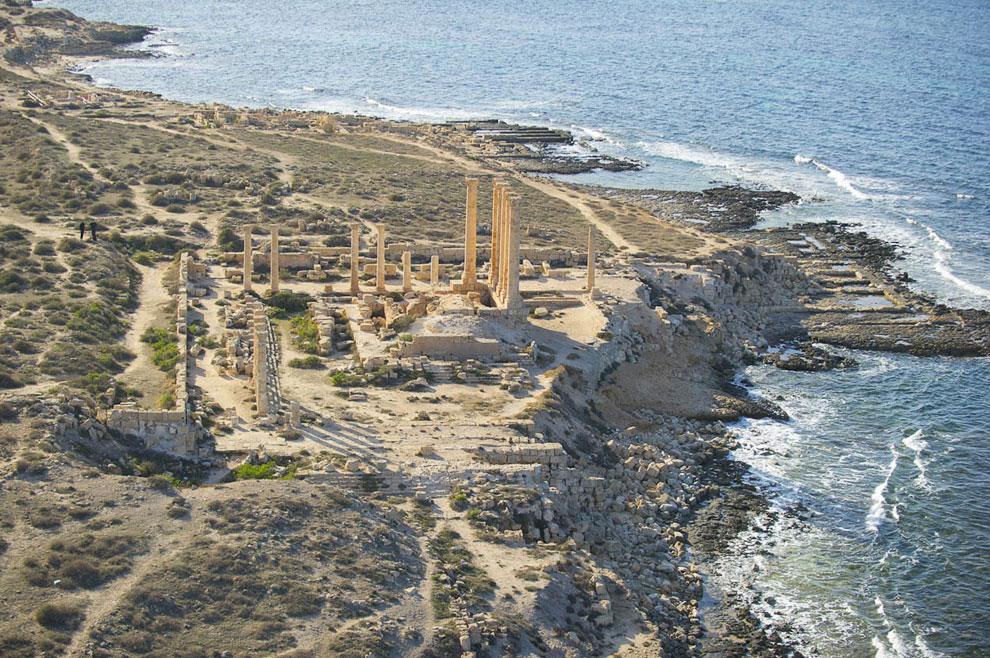 В Сабрате сохранился римский театр, храмы Сераписа и Изиды