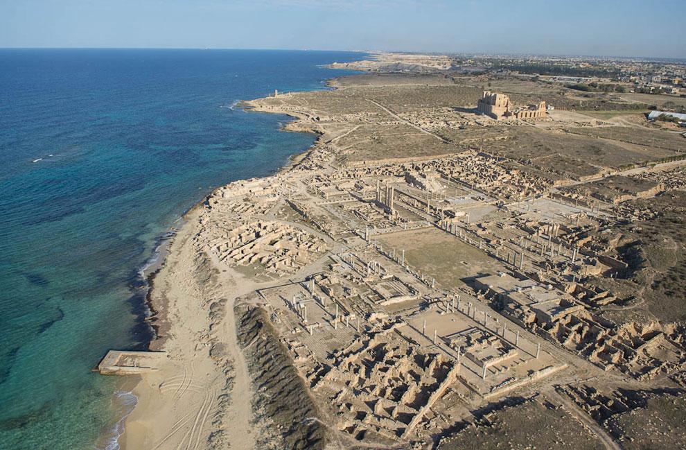 Это общий вид на древний город Сабрате
