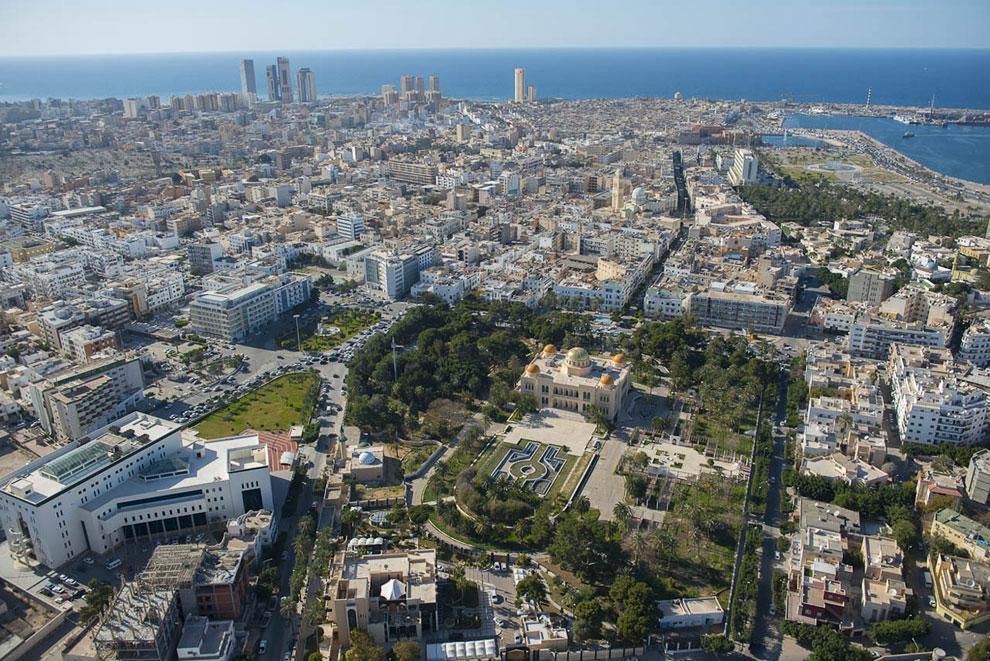 Вид с воздуха на Триполи и Королевский дворец