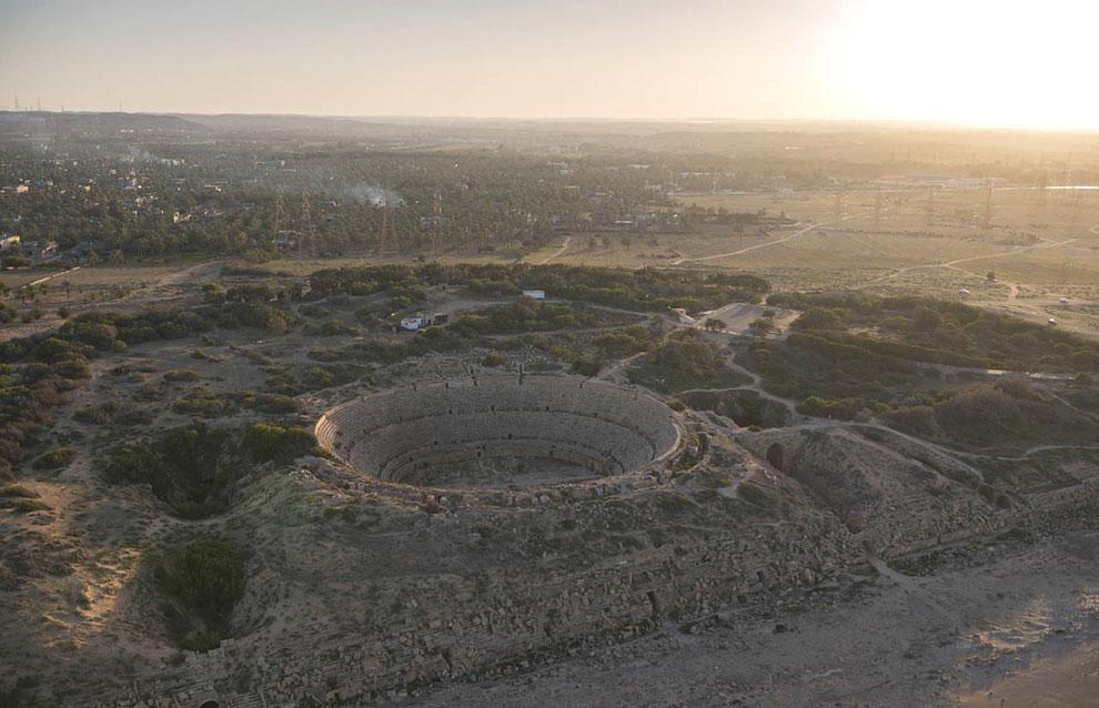 Римский амфитеатр Лептис-Магне