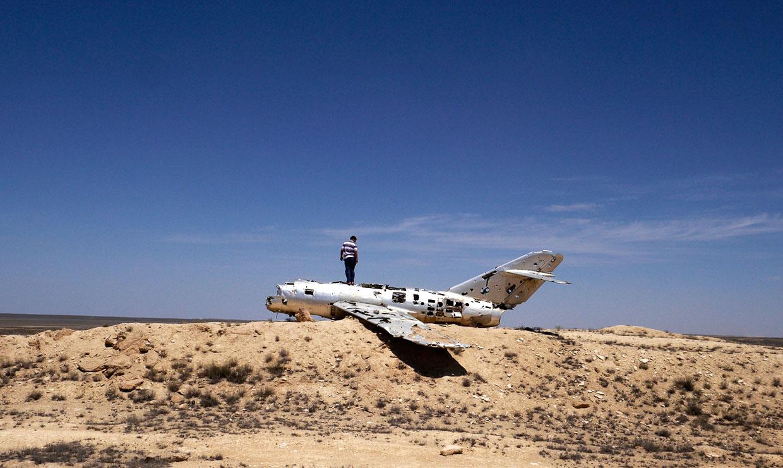 Каркас истребителя МиГ-15 в пустыне Каракум