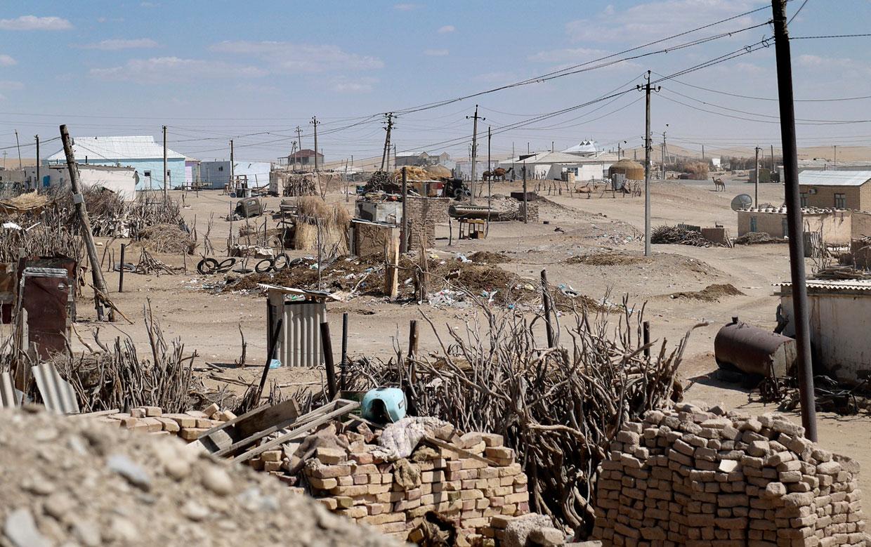 Деревня Дарваза в 190 км от богатого Ашхабада