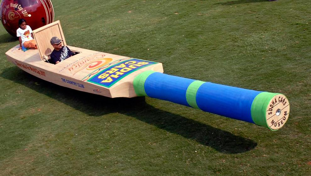 Автомобиль в виде биты для крикета