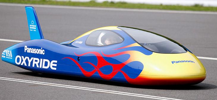 В августе 2007 года 192 элемента Oxyride формата AA питали автомобиль, достигший максимальной скорости 122 км/ч, попавший тем самым в книгу рекордов Гиннесса