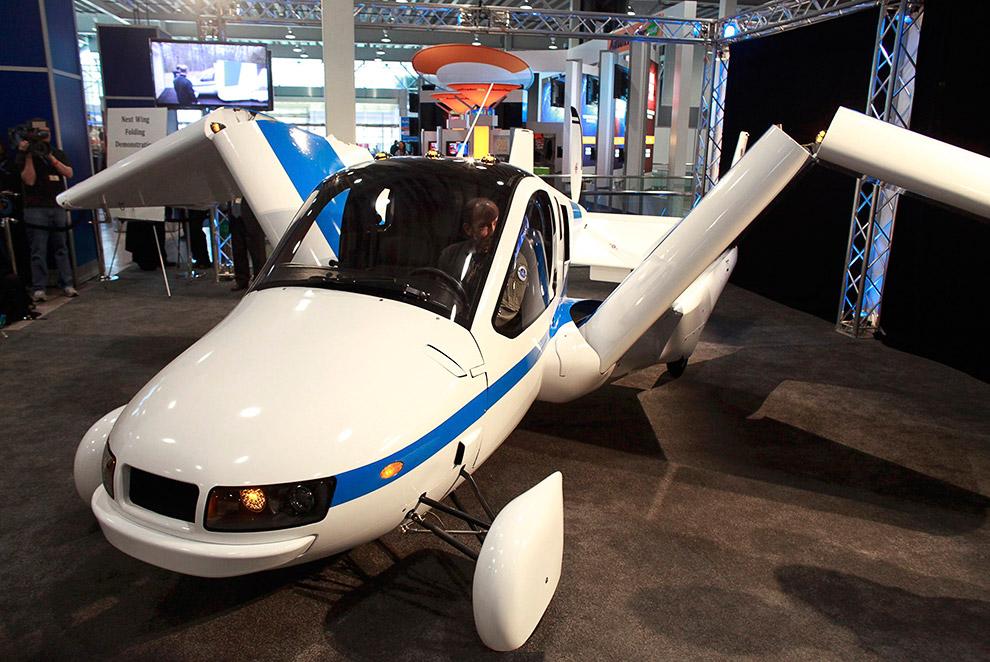 Terrafugia Transition  («Переход») — летающий автомобиль со складными крыльями