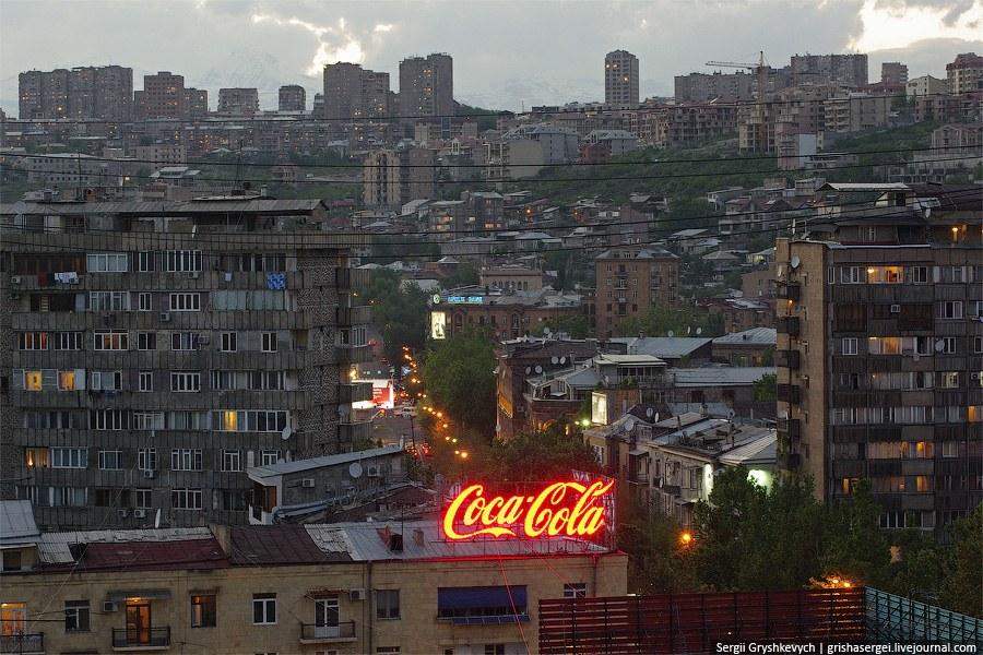 Как было сказано в начале статьи, в Ереване нет Макдональдса