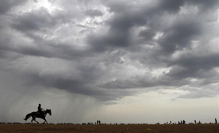 Дожди на севере Индии не прекращаются уже неделю