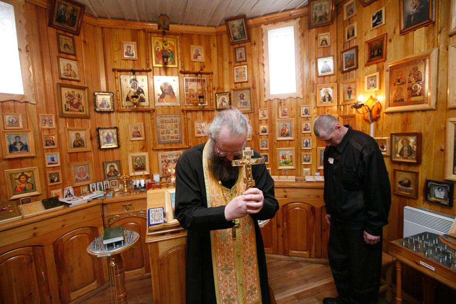 В колонии строгого режима есть своя церквушка. Красноярский край