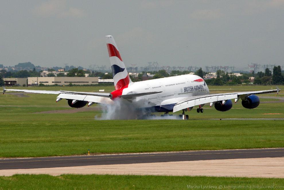 Компания British Airways представила свой первый А380