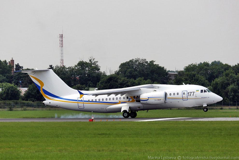 Еще один представитель Украины - ближнемагистральный пассажирский самолёт Ан-158