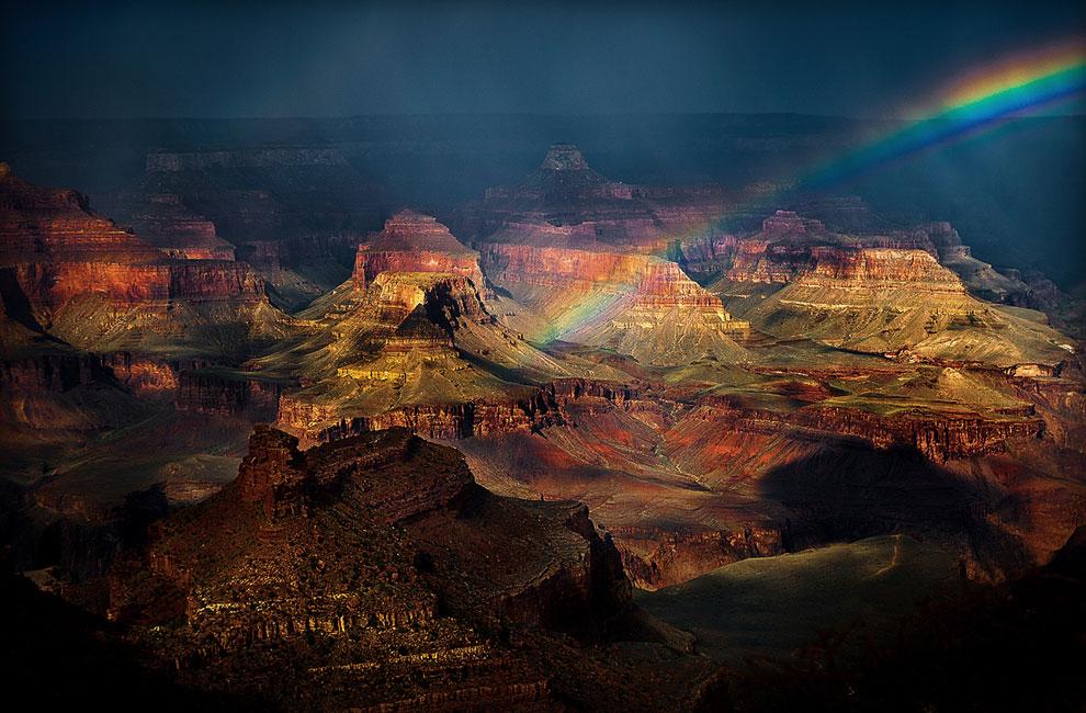 Радуга после дождя в Большом каньоне
