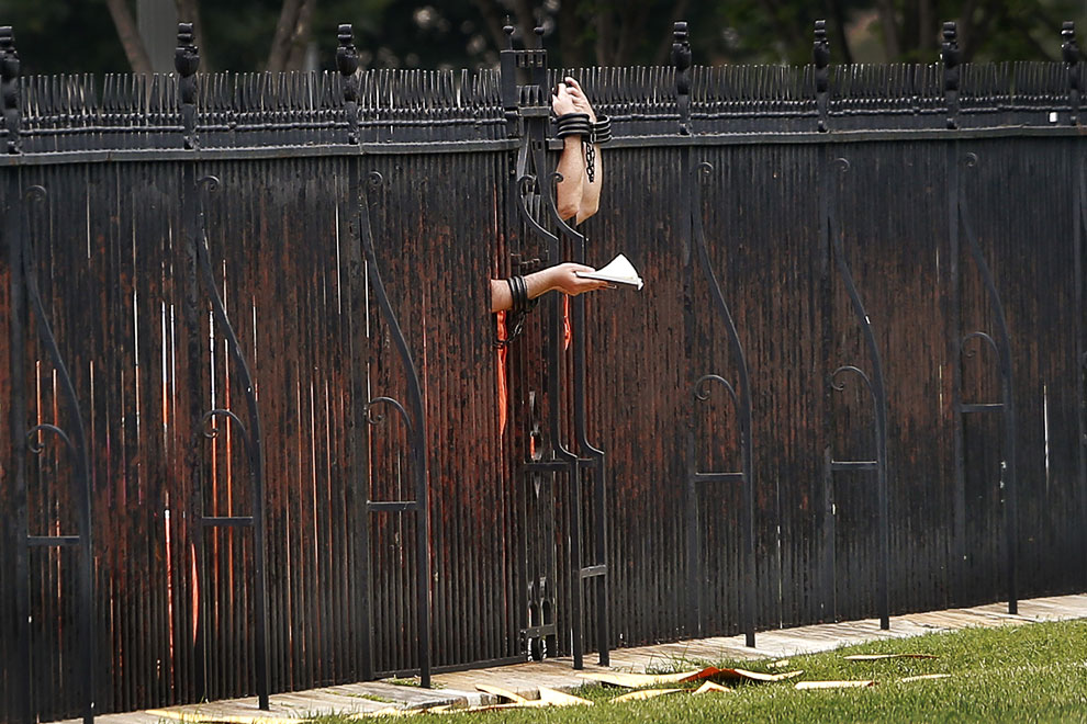 26 июня 2013 около ограды Белого дома в Вашингтоне прошла акция протеста против условий содержания заключенных в военной тюрьме в Гуантанамо