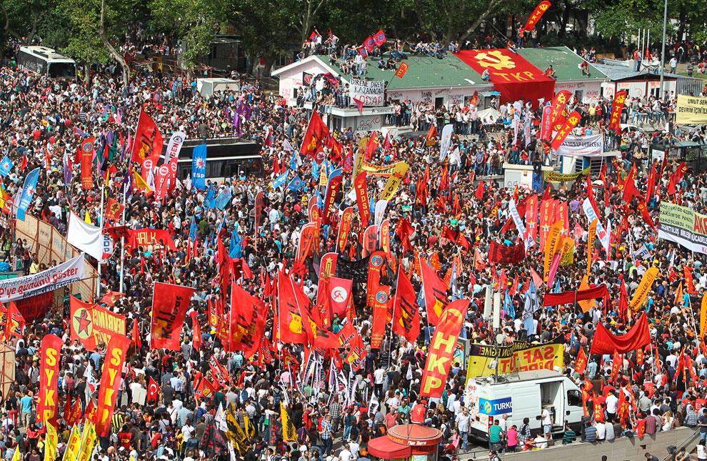 Протесты на центральной площади Таксим в Стамбуле