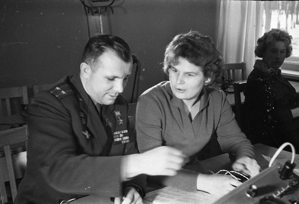 Валентина Терешкова и Юрий Гагарин
