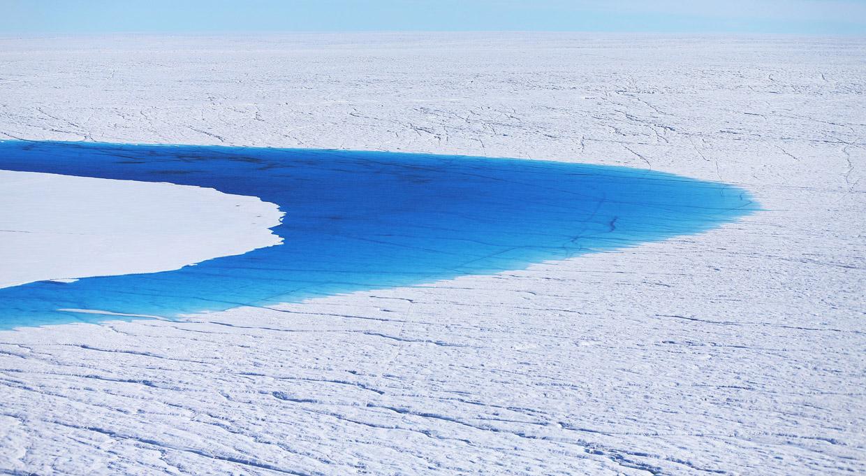 Кстати, ледниковый покров охватывает около 80 процентов Гренландии