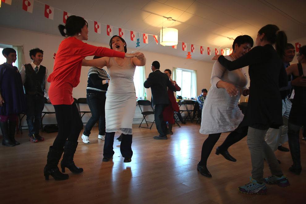 Танцы по-гренландски