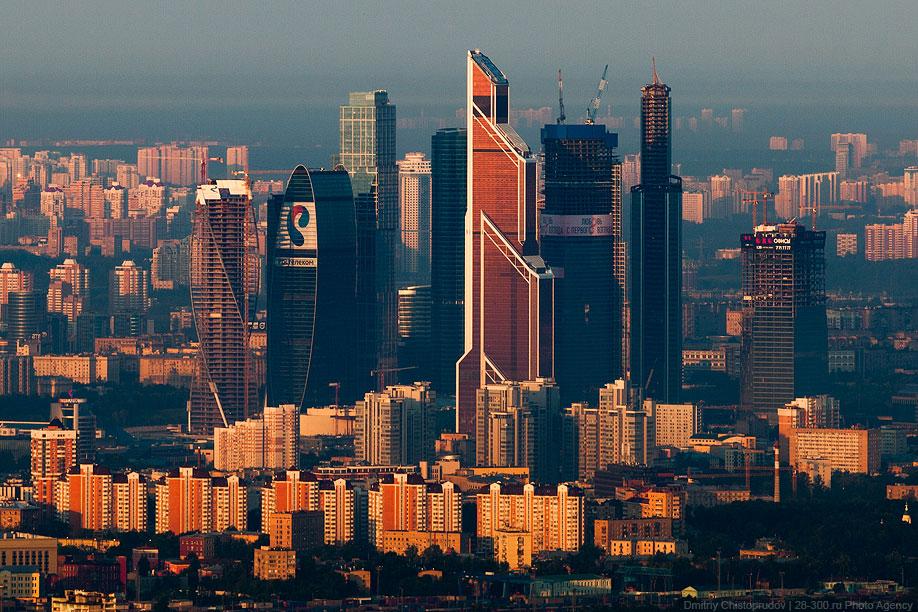 Вечная стройка в Москва-Сити